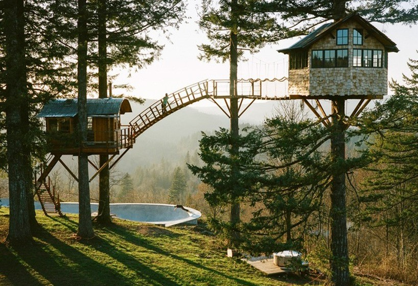 the-cinder-cone-treehouse-skatebowl-foster-huntington-designboom-01-818x654