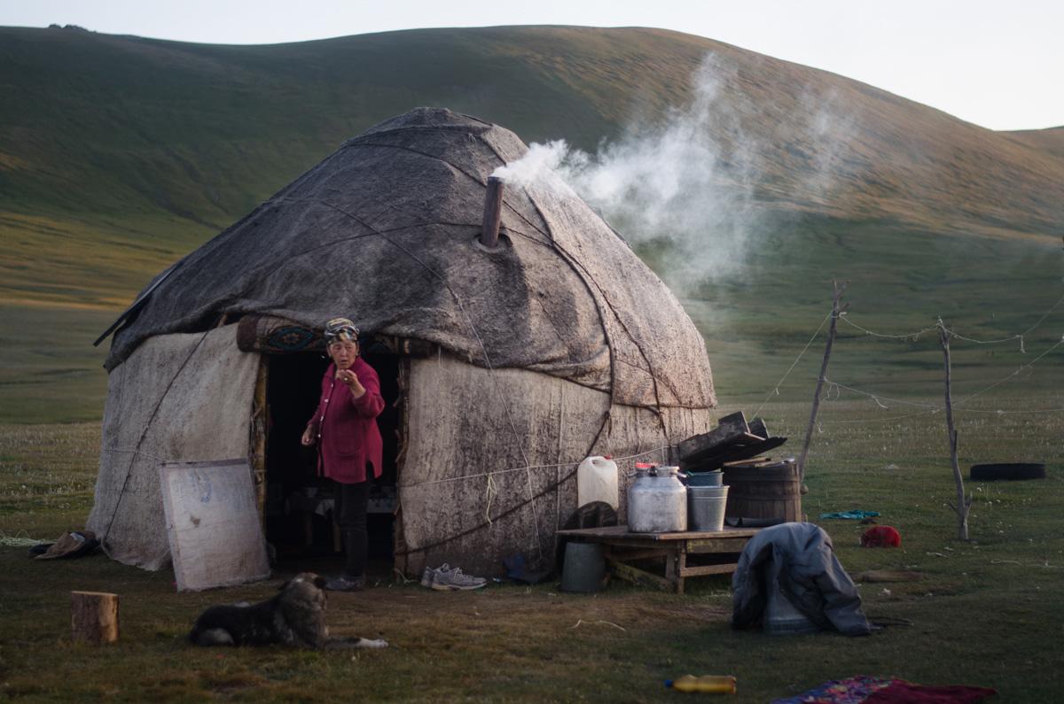La Balade du Jour : Une traversée du Kirghizistan à vélo ! Par Natacha de Mahieu Natacha-Mahieu-Kirghizistan-lesothers-3